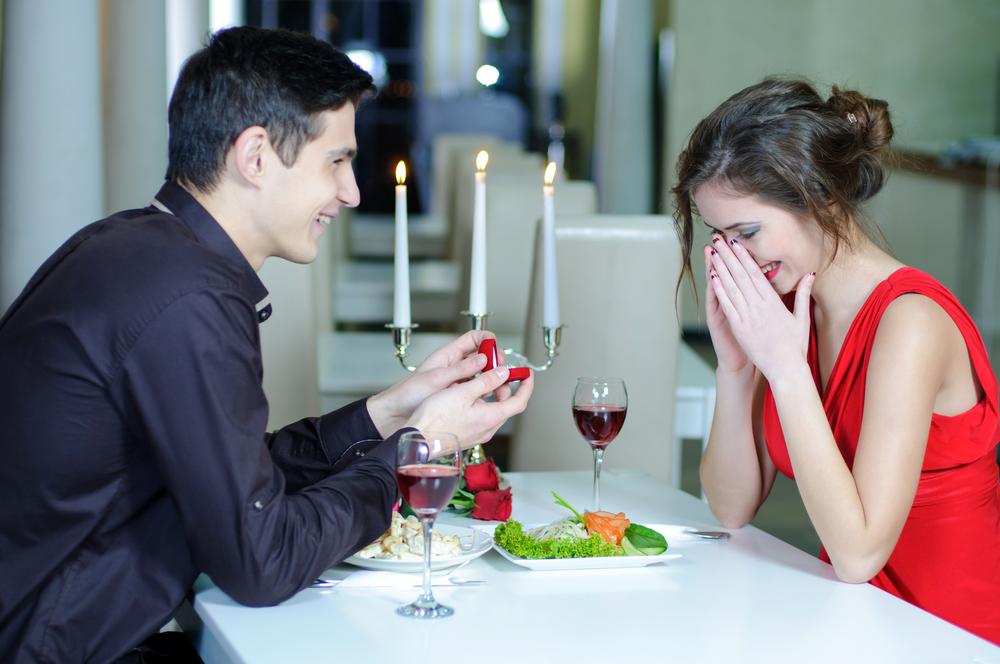 стоит ли знакомится в кафе с парнем